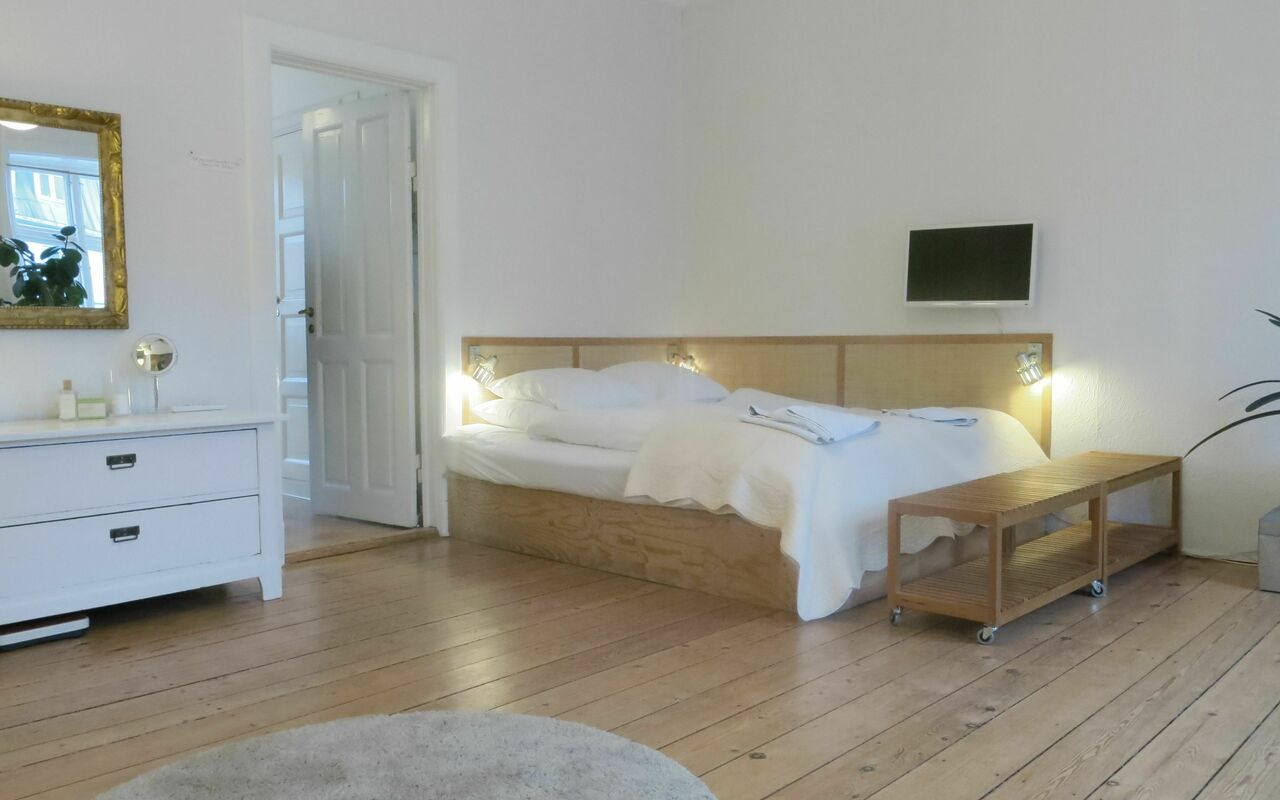 Vesterbro - 2 Bedrooms - 2 Bathrooms - Private Parking